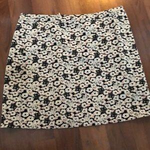 Size 10 patterned mini skirt